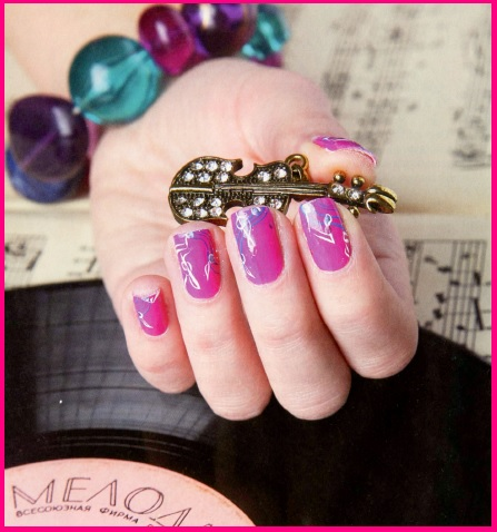 рисунки на розовых ногтях