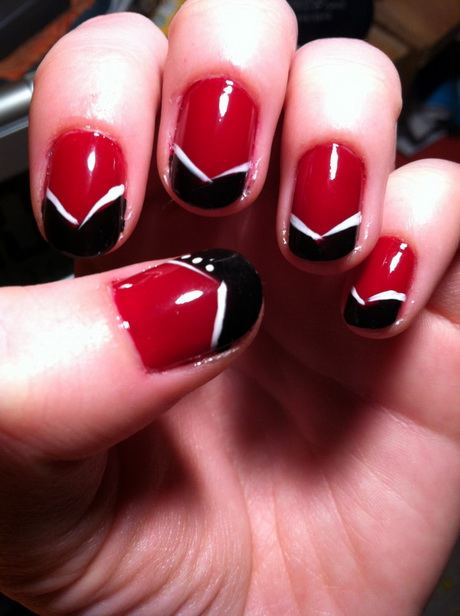 red-and-black-nail-designs8