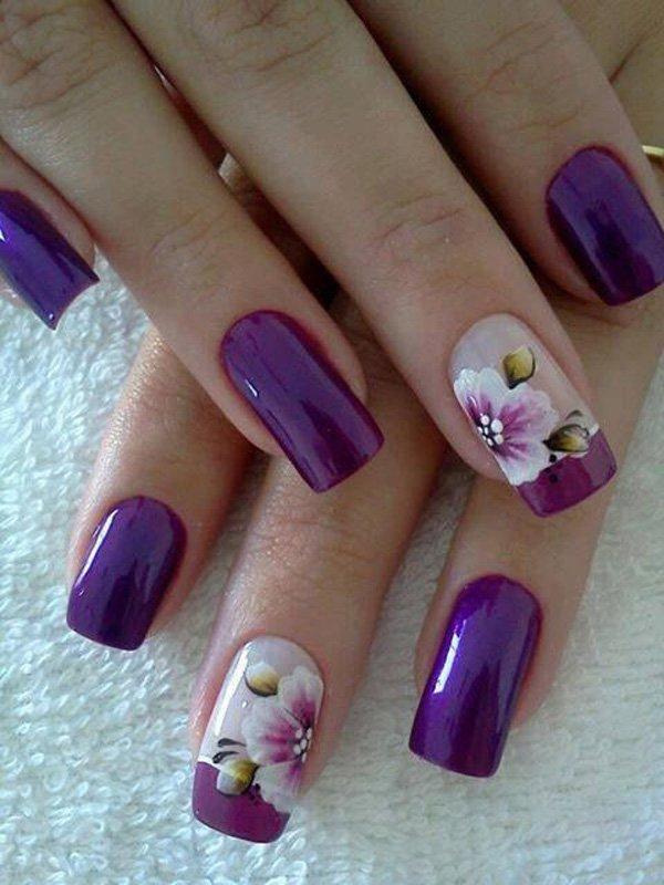 Маникюр с цветками сирени