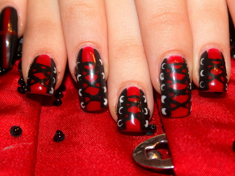 red-and-black-nail-designs5