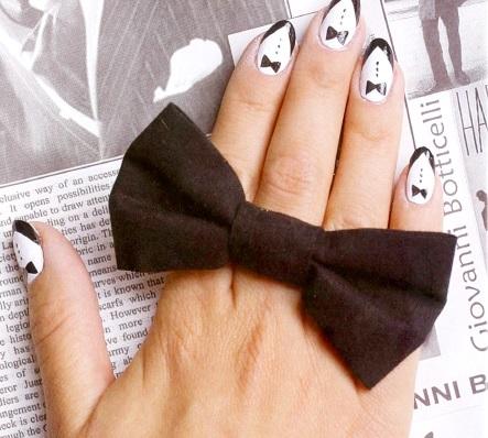 смокинг на ногтях
